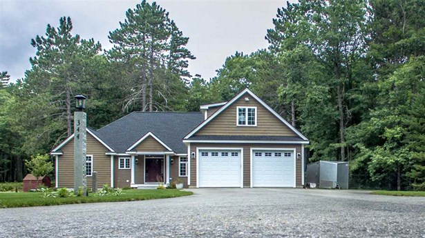Colonial,Contemporary, Single Family - Conway, NH (photo 1)