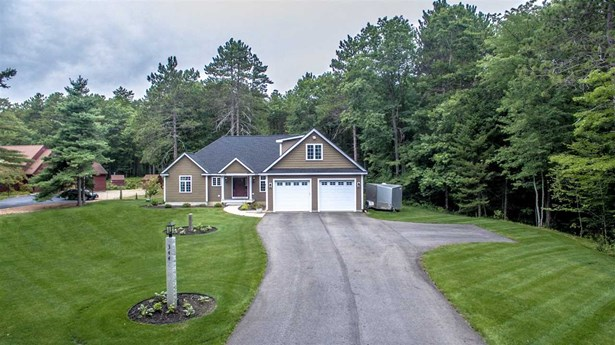 Colonial,Contemporary, Single Family - Conway, NH (photo 3)