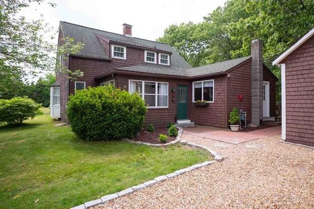 Farmhouse, Single Family - Seabrook, NH (photo 1)