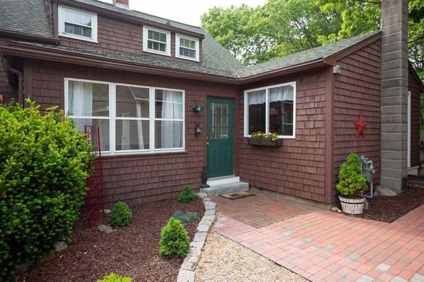 Farmhouse, Single Family - Seabrook, NH (photo 3)