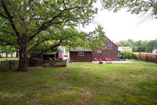 Farmhouse, Single Family - Seabrook, NH (photo 4)