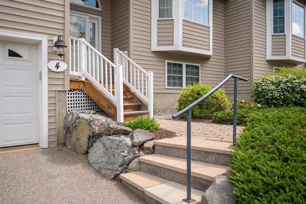 Duplex,Raised Ranch,Walkout Lower Level, Condo - East Kingston, NH (photo 2)