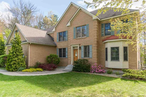 Colonial,Contemporary, Single Family - Auburn, NH (photo 2)
