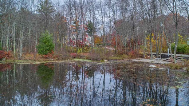 Colonial,Contemporary, Single Family - Manchester, NH (photo 5)