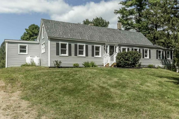 Antique,Cape, Single Family - Barrington, NH (photo 1)