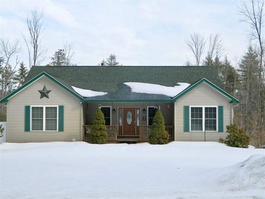 Ranch, Single Family - Milton, NH (photo 2)
