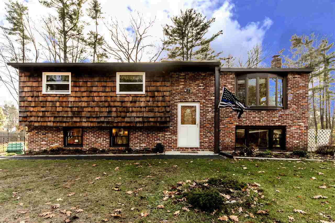 Raised Ranch, Single Family - Rochester, NH (photo 1)