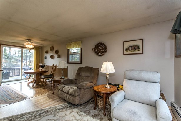 Raised Ranch, Single Family - Rochester, NH (photo 2)