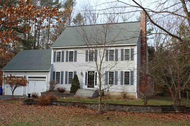 Colonial, Single Family - Londonderry, NH