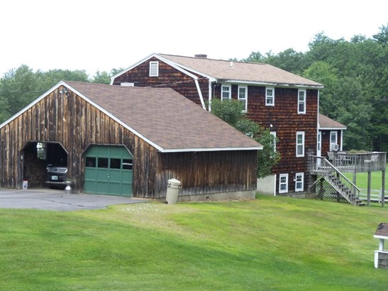 Colonial, Single Family - Belmont, NH (photo 3)