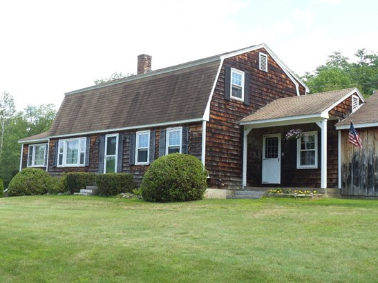 Colonial, Single Family - Belmont, NH (photo 4)