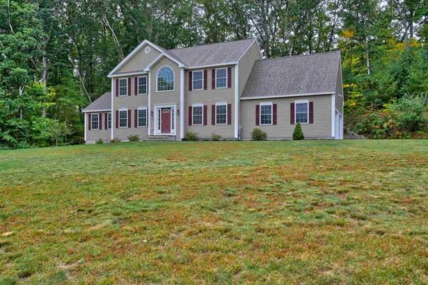 Colonial, Single Family - Pelham, NH (photo 1)