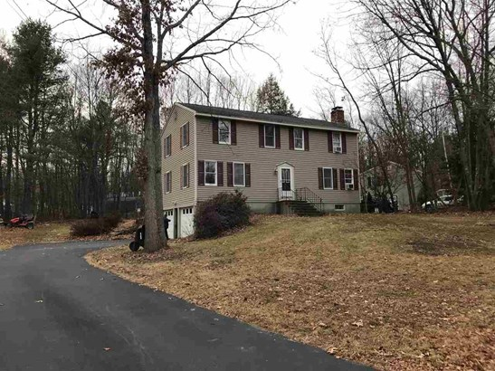 Colonial, Single Family - Newmarket, NH (photo 1)