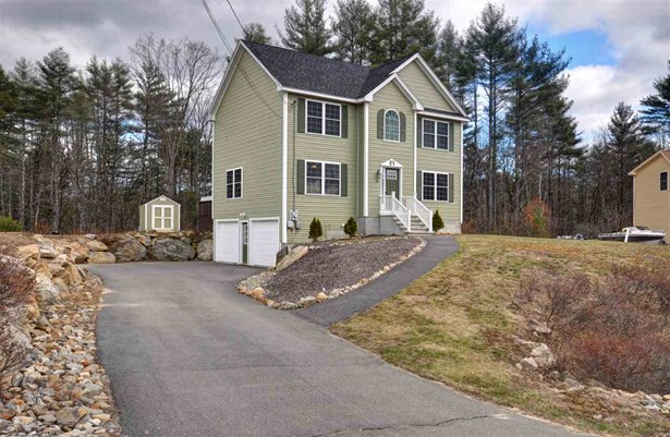 Colonial, Single Family - Weare, NH (photo 2)