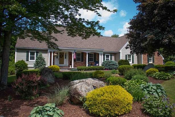 Cape, Single Family - Pelham, NH (photo 2)