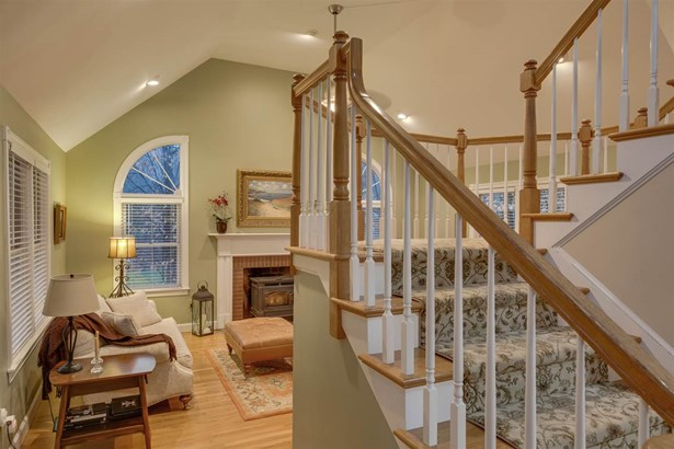Colonial,Contemporary, Single Family - Bedford, NH (photo 4)