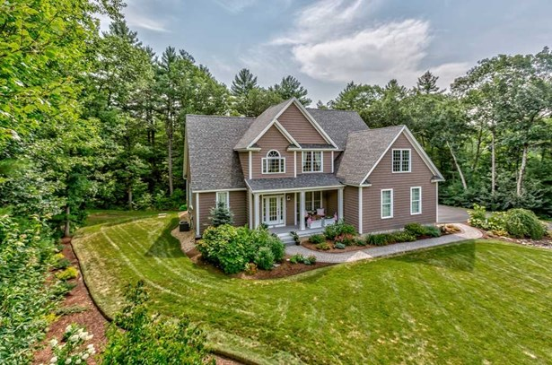 Colonial,Contemporary, Single Family - Brookline, NH