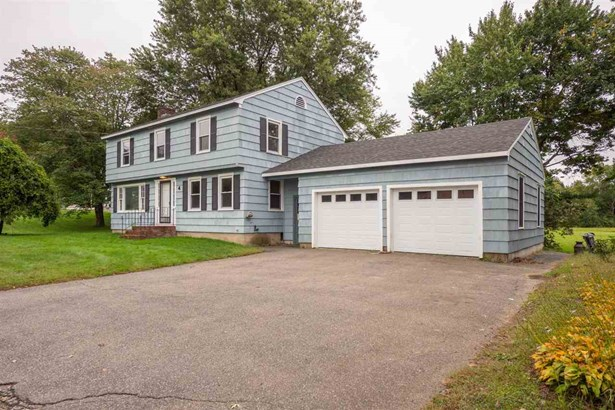 Colonial, Single Family - Somersworth, NH