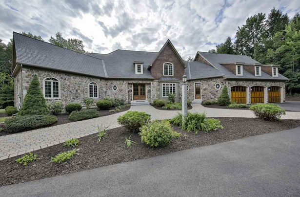 Cape,Contemporary,Walkout Lower Level, Single Family - Bedford, NH (photo 2)