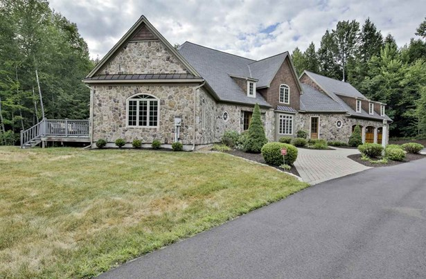 Cape,Contemporary,Walkout Lower Level, Single Family - Bedford, NH (photo 3)