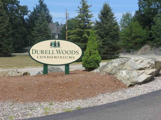 Townhouse, Condo - Newmarket, NH (photo 2)