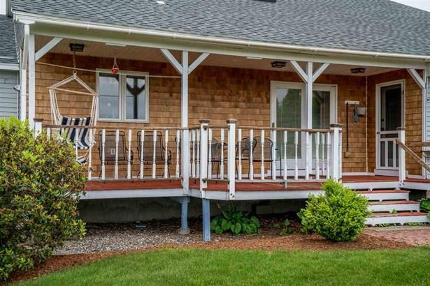 Farmhouse,Modified,Multi-Family,Multi-Level,Ranch,w/Addition,Walkout Lower Level - Multi-Family (photo 5)
