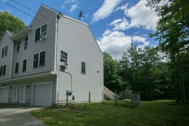 Condo, Condex,Multi-Level,Townhouse,Tri-Level - Barrington, NH (photo 3)