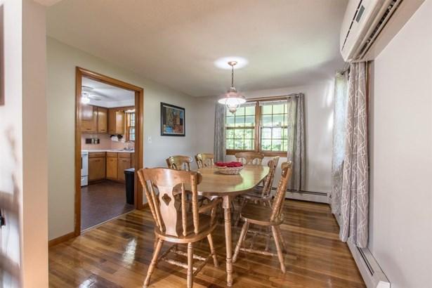 Raised Ranch,Split Level,Split Entry, Single Family - Salem, NH (photo 4)