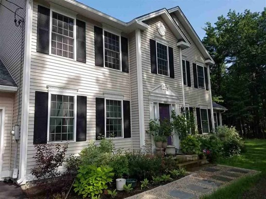 Colonial, Single Family - Londonderry, NH (photo 3)