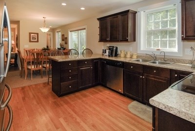 Colonial, Single Family - Londonderry, NH (photo 5)
