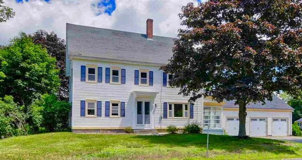 Colonial, Single Family - Madbury, NH (photo 3)
