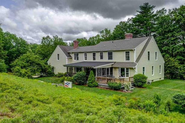 Cape, Single Family - Amherst, NH (photo 4)