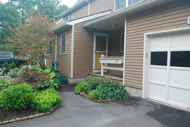 Townhouse, Condo - Lee, NH (photo 4)