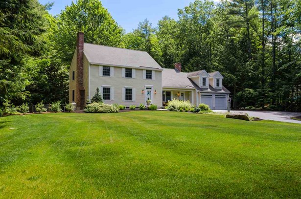 Colonial, Single Family - Bedford, NH (photo 3)