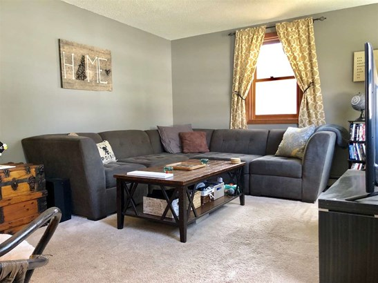 Cape, Single Family - Rochester, NH (photo 3)