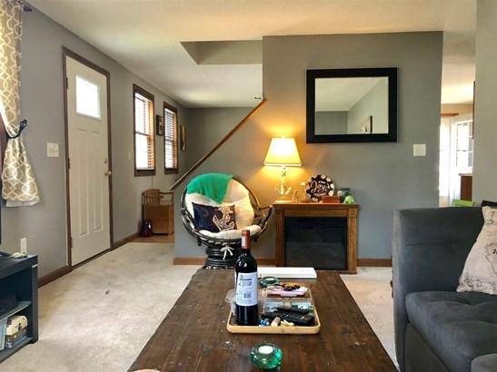 Cape, Single Family - Rochester, NH (photo 4)