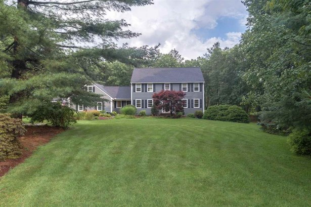 Single Family, Colonial,Contemporary,Walkout Lower Level - Atkinson, NH