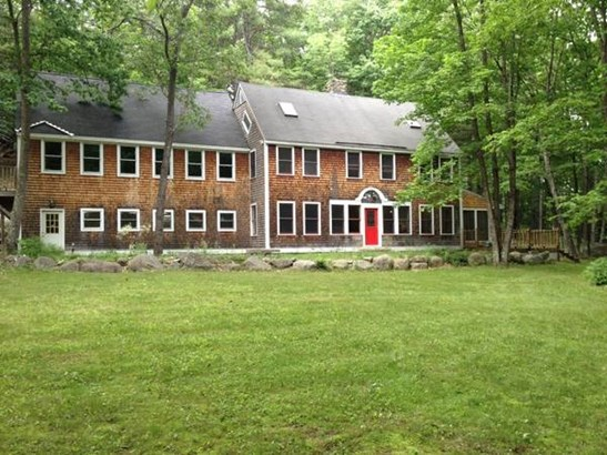 Colonial, Single Family - Henniker, NH (photo 2)