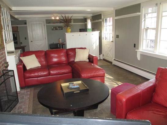 Raised Ranch, Single Family - Amherst, NH (photo 3)