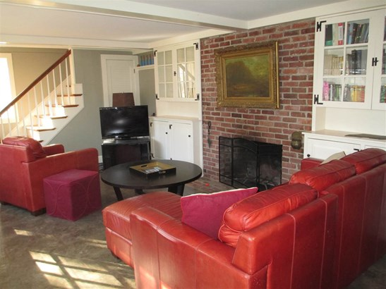 Raised Ranch, Single Family - Amherst, NH (photo 5)