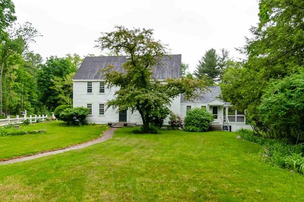 Colonial,Saltbox, Single Family - Amherst, NH (photo 1)