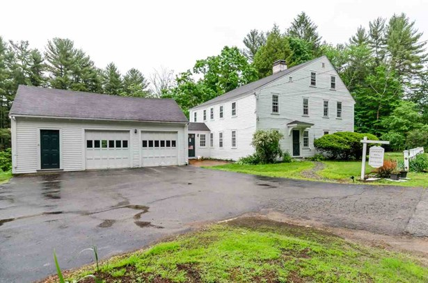 Colonial,Saltbox, Single Family - Amherst, NH (photo 2)