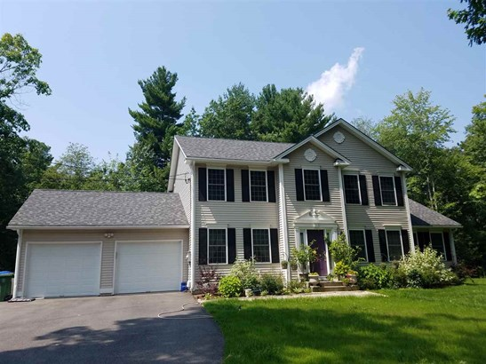 Colonial, Single Family - Londonderry, NH (photo 1)