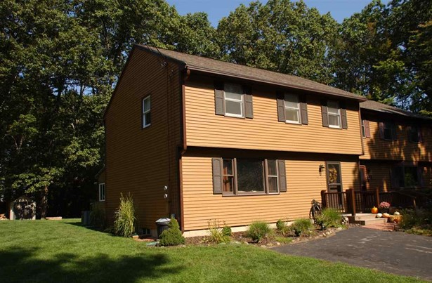 Colonial,Condex, Condo - Hudson, NH (photo 1)