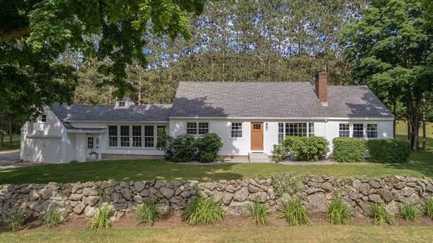 Antique,Cape,Ranch, Single Family - New Boston, NH (photo 1)
