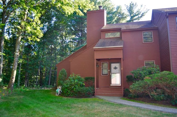 End Unit, Condo - Stratham, NH (photo 1)
