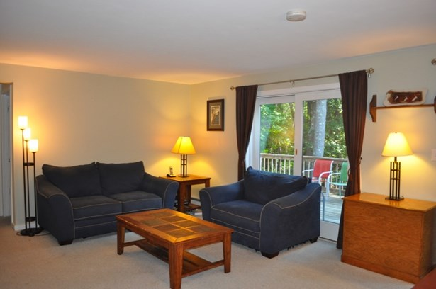 End Unit, Condo - Stratham, NH (photo 5)