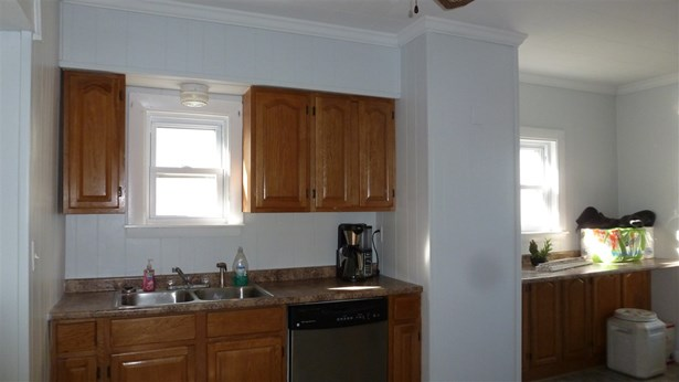 New Englander, Single Family - Manchester, NH (photo 5)