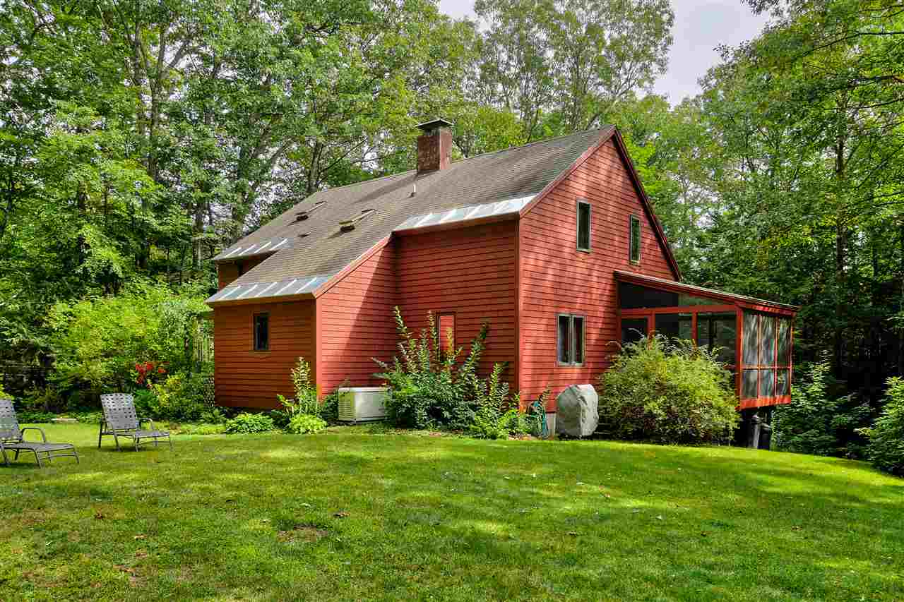Contemporary,Walkout Lower Level, Single Family - Temple, NH (photo 2)
