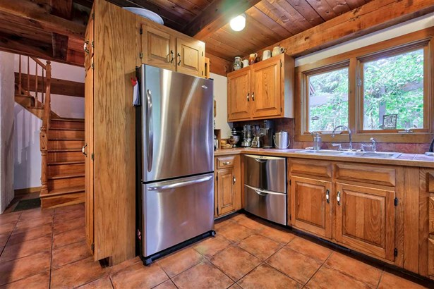Contemporary,Walkout Lower Level, Single Family - Temple, NH (photo 5)